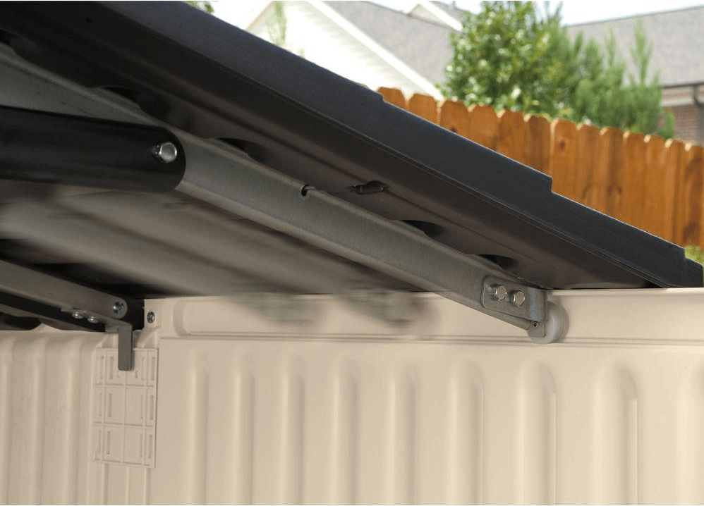 Rubbermaid slide lid reinforced roof