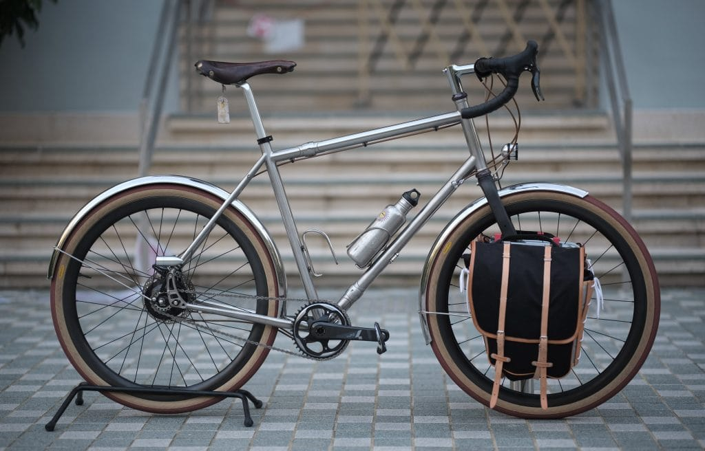 Gravel bike for commuting with pannier