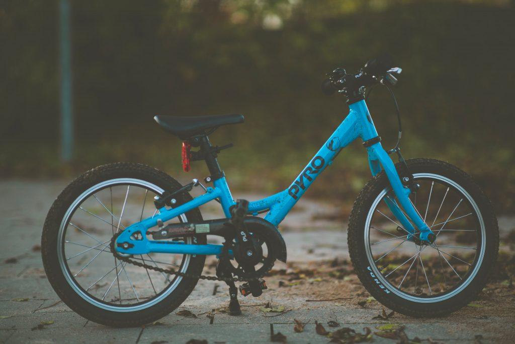 childs hybrid bike