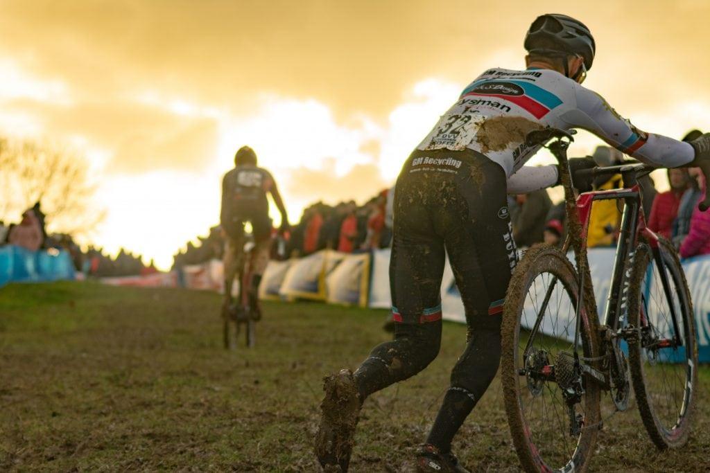 cyclocross vs gravel bike race