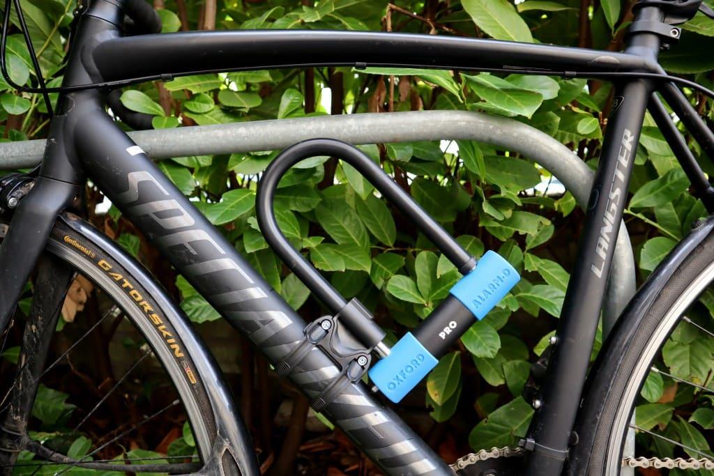 Oxford Alarm-D Pro 260 Mounted on Bike